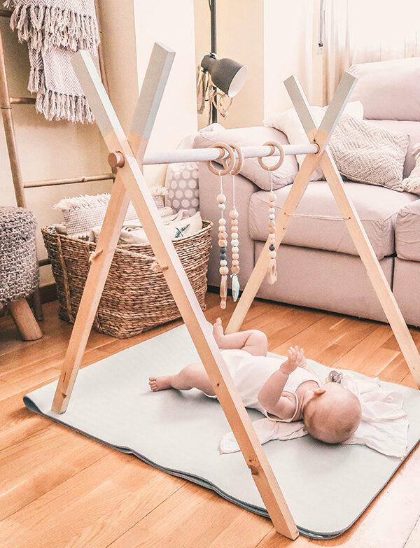 gimnasio de madera diy para bebés